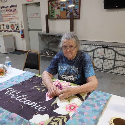 quilt tacking party e